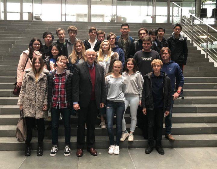 Max-Rill-Schüler besuchen Bundestagsabgeordneten