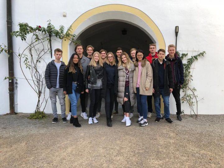 Schloss Reichersbeuern wird zu Schloss Bergbrunn Schüler